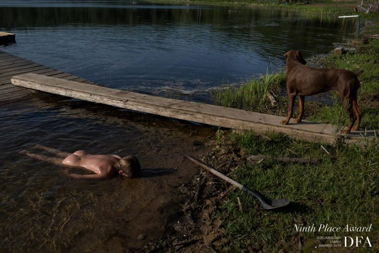 Edmonton family photographer captures her son laying face down in lake